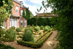 2015-09-15 West Green House parterre
