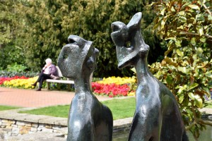 2016-04-14 Wisley Love bronze by Moore