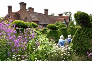 2016-06-16 Great Dixter Peacock Topiary Garden1