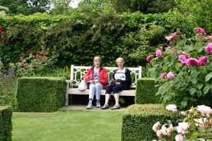 2016-06-16 Pashley Manor Rose Garden